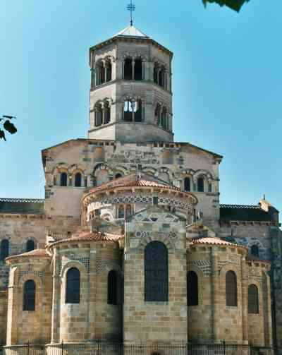 Eglise romane d 39 issoire for Eglise romane exterieur